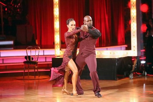 Emmitt Smith Eliminated From Dancing With The Stars All-Stars 11/20/12 (Video)