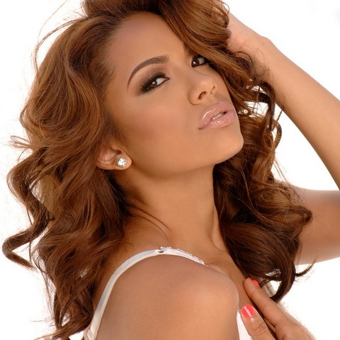 Watch Love & Hip Hop's Erica Mena Cat Fight in A Nail Salon (VIDEO)
