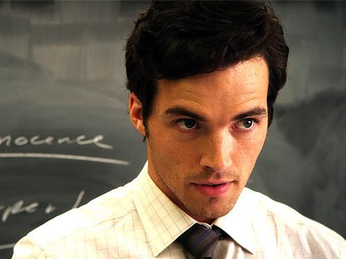 """Pretty Little Liars SHOCK Spoilers: Ezra Is NOT """"Head A ..."""