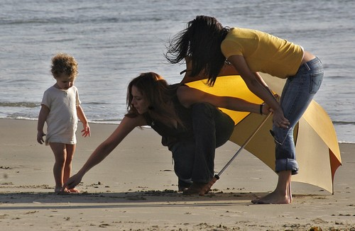 EXCLUSIVE: Mary McCormack On Beach With Daughter