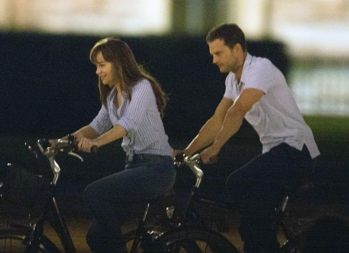 Jamie Dornan Humiliated By Dakota Johnson: Dakota Not Impressed With 'Fifty Shades Darker' Love Scenes