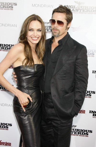 Brad Pitt And Angelina Jolie's Wedding Rings: Too Much Or Too Cute? 0813