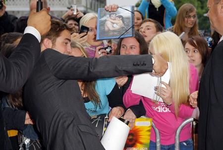 Robert Pattinson Wants To Throw Rupert Sanders A Beating