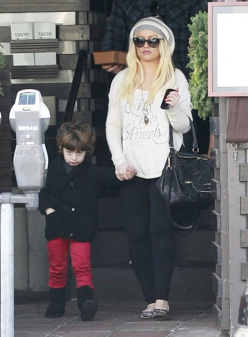 Christina Aguilera Plans To Dump Matthew Rutler And Date Colin Farrell Instead