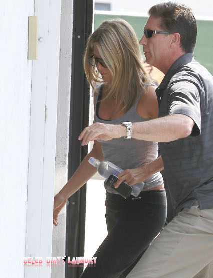 Jennifer Aniston And Boyfriend Justin Theroux's Relationship Is Doomed