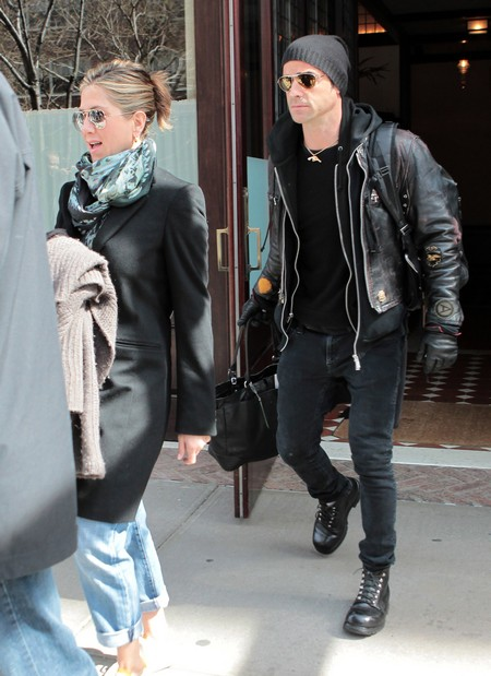 Jennifer Aniston and Justin Theroux Spoofing Paparazzi in Film