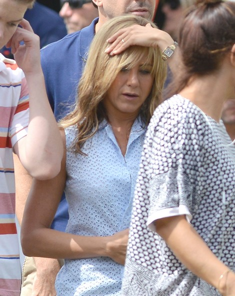 Pics! Jennifer Aniston Isn't Showing Off Her Ring – But Justin Theroux Is!