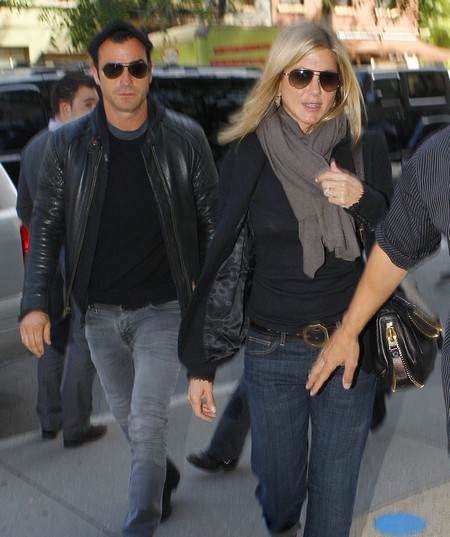 Report: Jennifer Aniston And Justin Theroux Prepare To Live Separately
