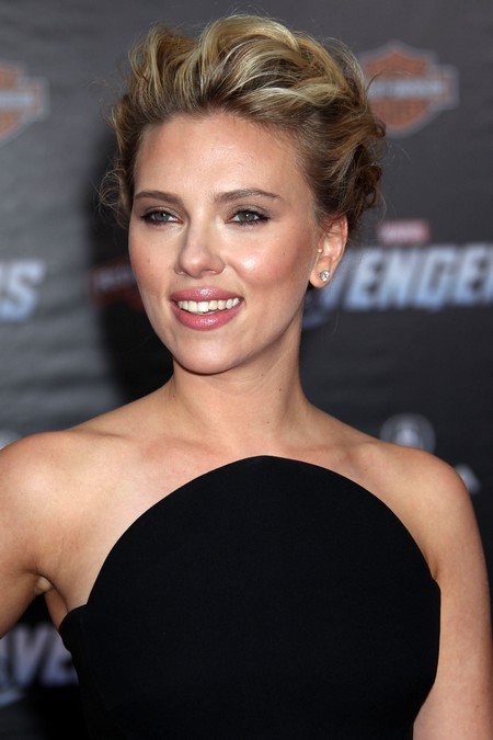 Scarlett Johansson Getting Married But No More Nude Cell Phone Photos