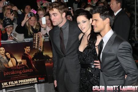Robert Pattinson and Kristen Stewart NOT Sleeping Together on Twilight Tour