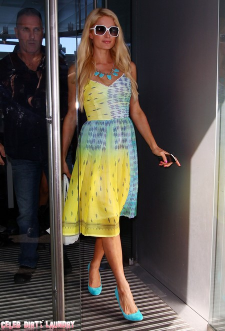 Paris Hilton Looks Stylish As She Lunches In Syndey, Australia (Photos)