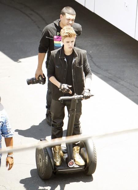 Exclusive Pics! Justin Bieber Almost Falls Over A Plant!
