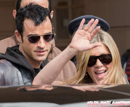 Jennifer Aniston Orders Fiance Justin Theroux: Get A Nose Job!