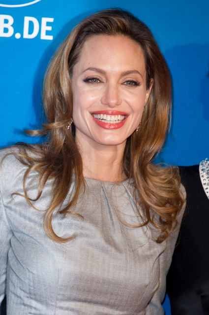 Angelina Jolie Collaborates With Billy Bob Thronton And Upsets Brad Pitt