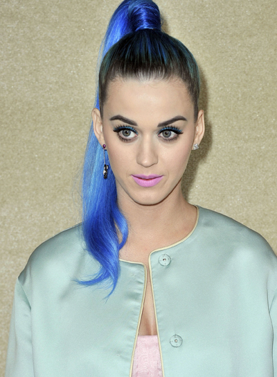 Is It Weird That Robert Pattinson And Katy Perry Are Calling And Texting Each Other?