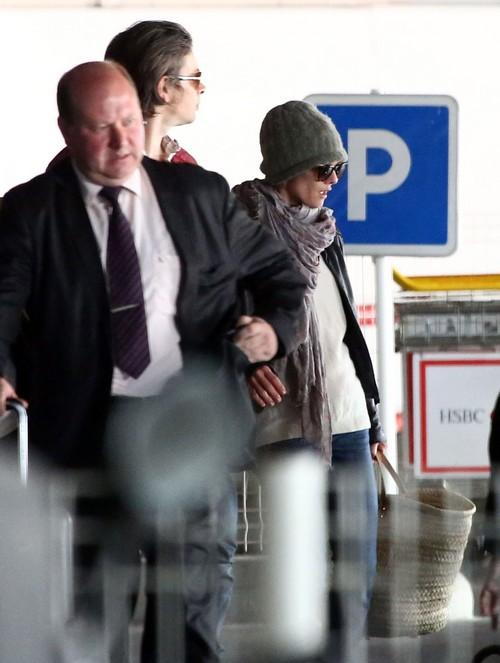 Exclusive... Vanessa Paradis & Benjamin Biolay Arriving In Paris