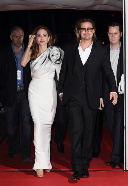 Angelina Jolie Makes Brad Pitt Cry With Jealousy