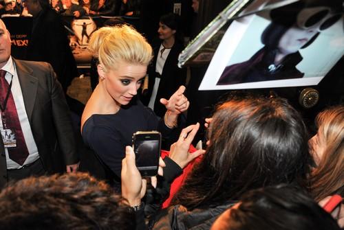 Johnny Depp Buys Amber Heard Expensive Diamonds So She Will Love Him - No Fool Like An Old Fool