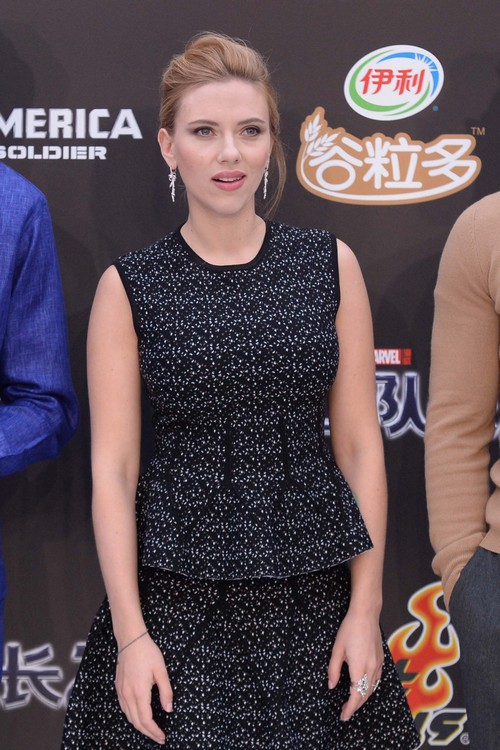 Scarlett Johansson a Recording Artist? Five Things You Probably Didn't Know
