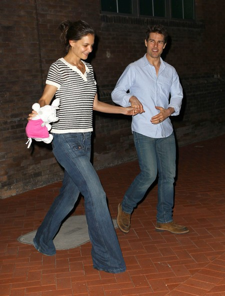 Katie Holmes Playing Legal Hardball To Bust Tom Cruise