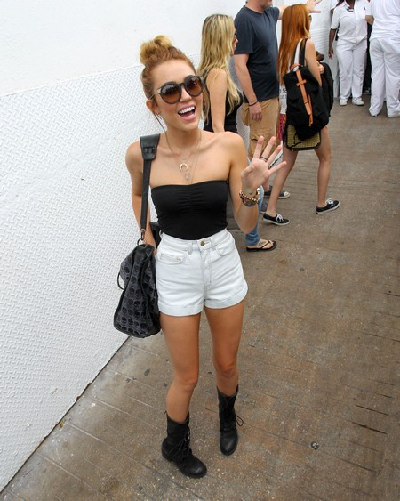 Skinny Miley Cyrus Looking Anorexic In Miami (Photo)