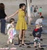 Justin & Selena Spending At Day With Family At The Beach