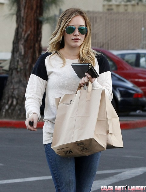 Exclusive... Hilary Duff Shops For Groceries