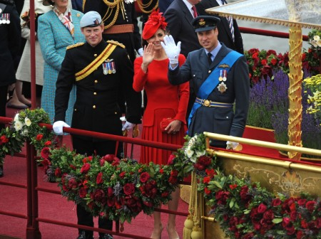 Just Like Princess Diana: Are There Three People In Kate Middleton's Marriage? 0804