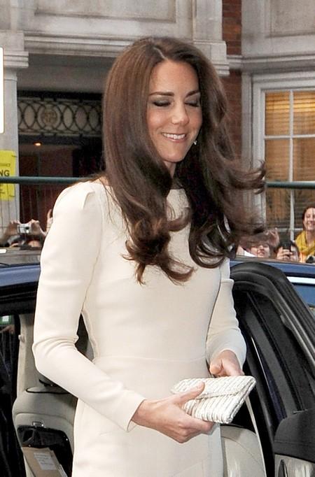 Kate Middleton Hurt As Pippa Middleton Seeks Hollywood Movie Star Husband