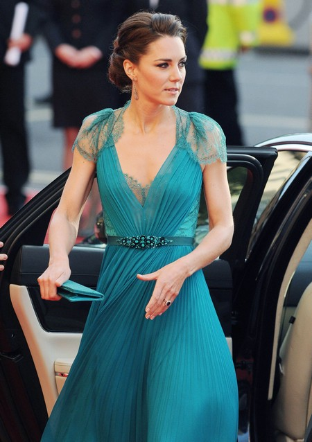 Report: Kate Middleton Is Under 90 Pounds And Starving Herself