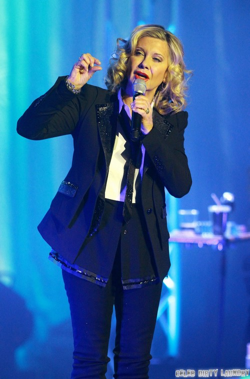 Olivia Newton-John Performing Live In Manchester