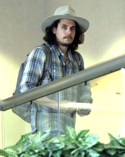 Renaissance Man John Mayer Hungering For Jennifer Lawrence 0619