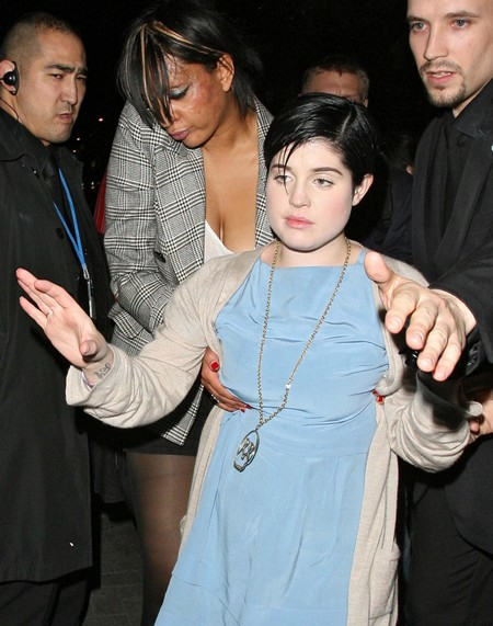 Kelly Osbourne Drunk: She Cracks Up Over Grief