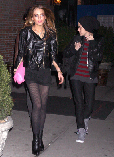 """Lindsay Lohan And Sam Ronson """"Snuggle"""" In New York: Are They Back Together AGAIN?"""