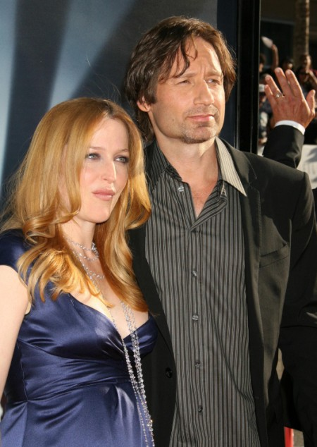 Report: Gillian Anderson Living With Lover David Duchovny 0808