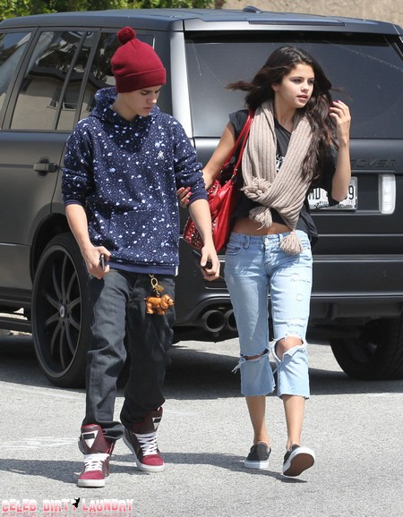Justin Bieber Defends Selena Gomez –Warns One Direction's Niall Horan To Back Off!