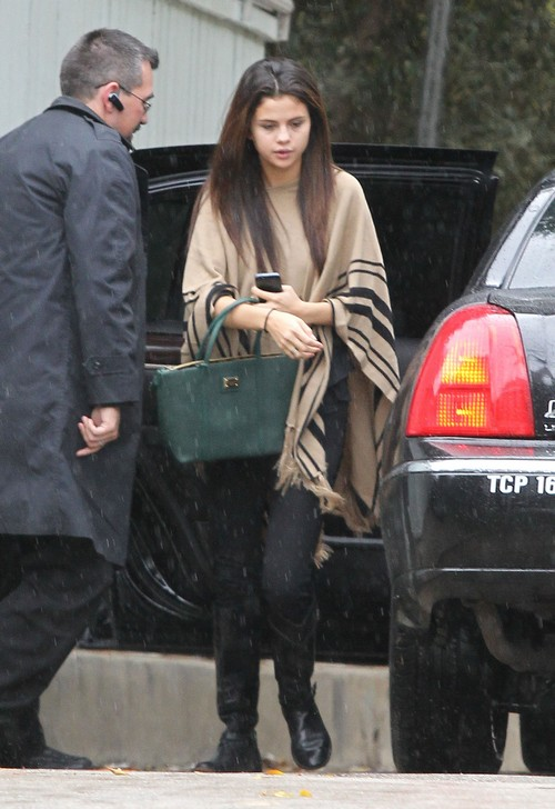 Exclusive... Selena Gomez Visits A Friend In Los Angeles