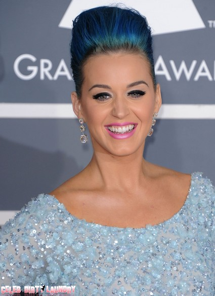 Katy Perry Thinks She Sees A UFO - Was It Russell Brand?