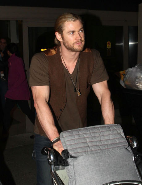 """Fifty Shades of Grey: Could Burly """"Thor"""" Actor Chris Hemsworth Play the Sex-Crazed Character of Christian Grey?"""