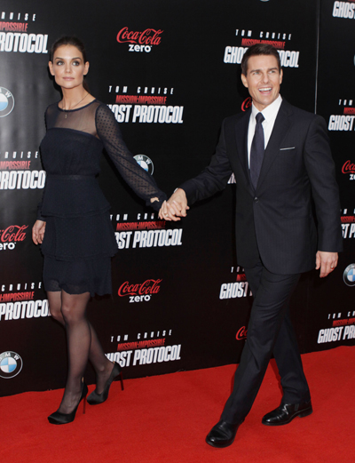 Tom Cruise And Katie Holmes Gearing Up For A Divorce Battle: Katie Wants Sole Custody Of Suri And Major $$$!