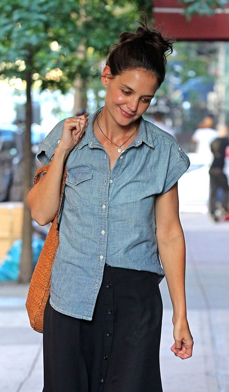 Katie Holmes Will Get Precious Little of Tom Cuise's Money