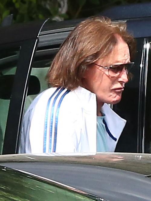 Kris Jenner Outs Bruce Jenner as a Cross Dressing Transvestite Who Wears Her Lingerie