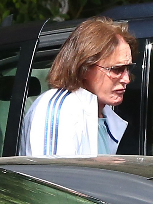 Bruce Jenner Separated From Kris To Protect Kendall and Kylie From Becoming Famewhores Like Kim Kardashian