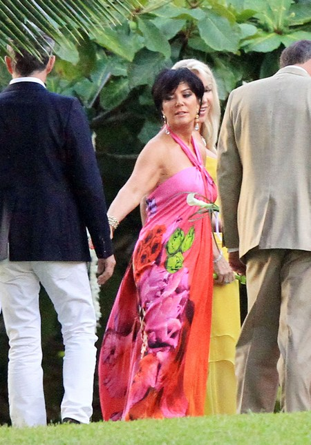 Kris Jenner Reuniting With An Old Lover Disgusts Khloe Kardashian