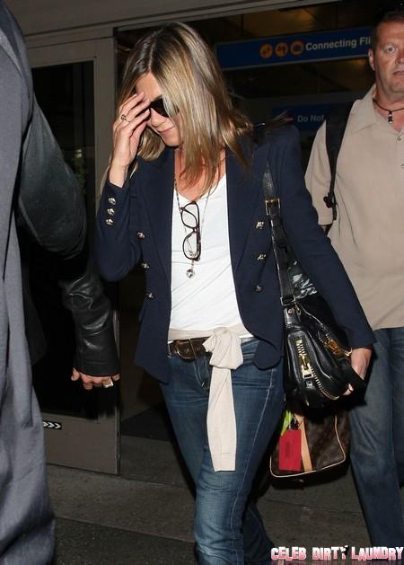 Jennifer Aniston And Justin Theoroux Engaged: New Diamond Ring Says Yes (Photo)