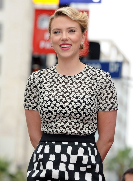 Scarlett Johansson Nude Photos Leaked? Actress Reportedly ...