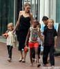 Angelina Jolie Takes Her Kids To Sydney Aquarium