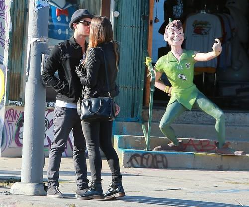 Joe Jonas Hooks Up With Chloe Lloyd - Dumps Girlfriend Blanda Eggenschwiler