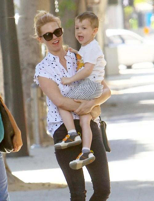 January Jones Lunches In Santa Monica With Her Son | Celeb ...January Jones Son