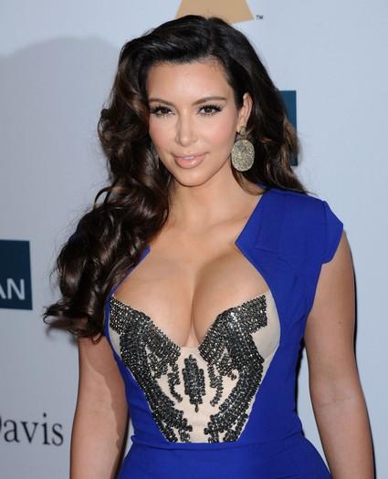 New Kim Kardashian Sex Tape With A White Guy Leaked